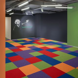 Expression carpet tiles